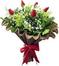 Aksaray online çiçek gönderme sipariş  5 adet kirmizi gül buketi demeti