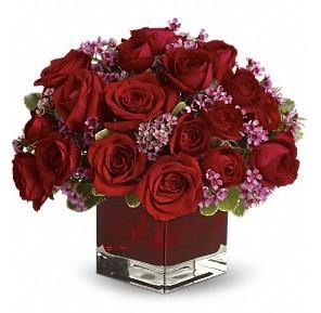 11 adet kırmızı gül vazosu  Aksaray çiçekçiler
