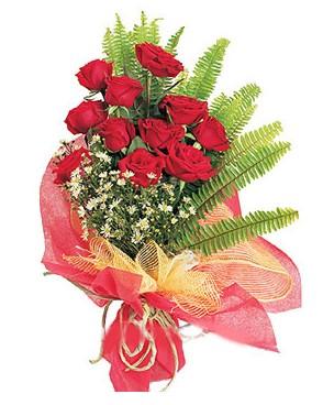 Aksaray İnternetten çiçek siparişi  11 adet kırmızı güllerden buket modeli