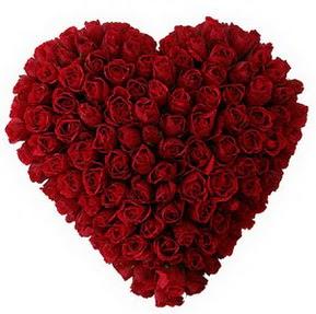 Aksaray çiçekçi mağazası  muhteşem kırmızı güllerden kalp çiçeği