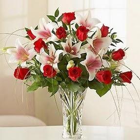 Aksaray çiçek mağazası , çiçekçi adresleri  12 adet kırmızı gül 1 dal kazablanka çiçeği