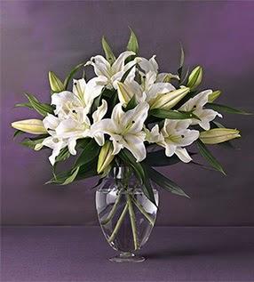 Aksaray İnternetten çiçek siparişi  4 dal cazablanca vazo çiçeği
