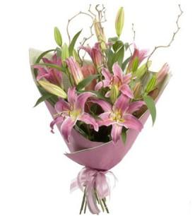 Aksaray İnternetten çiçek siparişi  3 dal cazablanca buket çiçeği