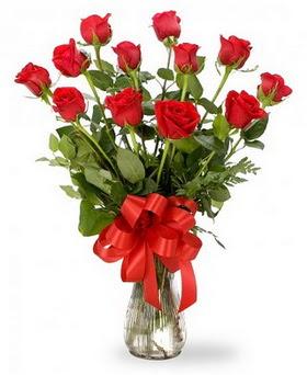 Aksaray çiçek , çiçekçi , çiçekçilik  12 adet kırmızı güllerden vazo tanzimi