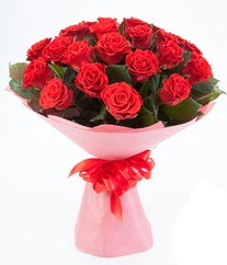 15 adet kırmızı gülden buket tanzimi  Aksaray çiçek siparişi sitesi