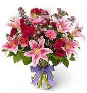 Vazo içerisinde karışık mevsim çiçeği  Aksaray çiçek siparişi sitesi