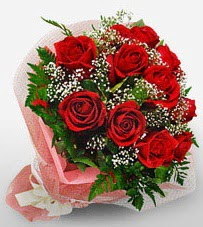 12 adet kırmızı güllerden kaliteli gül  Aksaray çiçek siparişi vermek