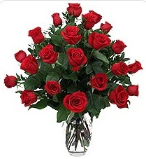 Aksaray çiçek siparişi sitesi  24 adet kırmızı gülden vazo tanzimi