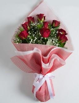 9 adet kırmızı gülden buket  Aksaray çiçek satışı