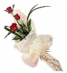 3 adet kırmızı gül buketi  Aksaray güvenli kaliteli hızlı çiçek
