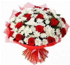 11 adet kırmızı gül ve 1 demet krizantem  Aksaray çiçek mağazası , çiçekçi adresleri