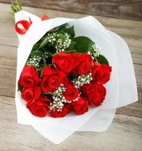 9 kırmızı gülden buket çiçeği  Aksaray çiçek gönderme