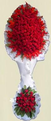 Çift katlı kıpkırmızı düğün açılış çiçeği  Aksaray anneler günü çiçek yolla