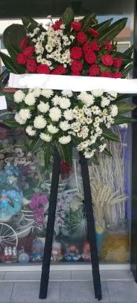 Cenaze çiçeği cenaze çiçek modelleri  Aksaray çiçek siparişi sitesi