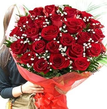 Kız isteme çiçeği buketi 33 adet kırmızı gül  Aksaray çiçek gönderme sitemiz güvenlidir