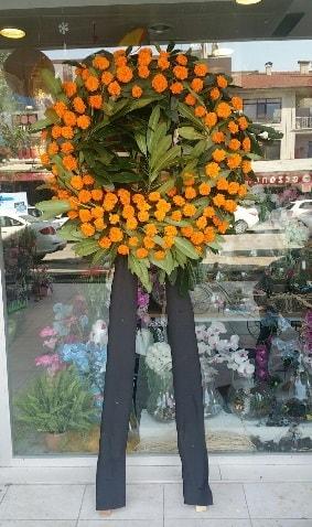 Cenaze çiçeği cenaze çelengi çiçek modeli  Aksaray çiçek gönderme