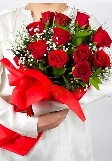 Aşk Gülleri 11 Adet kırmızı gül buketi  Aksaray çiçekçi telefonları