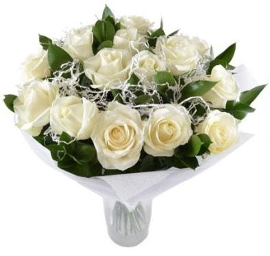 15 beyaz gül buketi sade aşk  Aksaray çiçek satışı