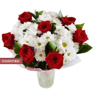 7 kırmızı gül ve 1 demet krizantem  Aksaray çiçek gönderme sitemiz güvenlidir